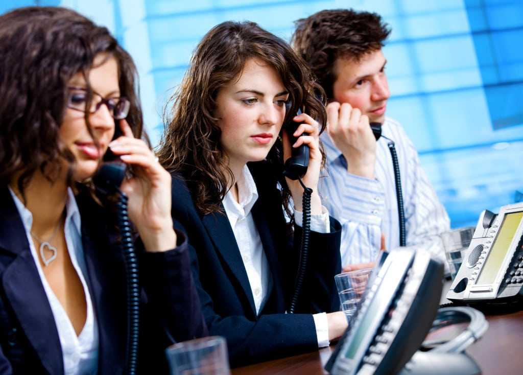 Customer Service Reps answering phones